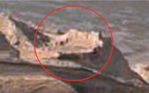 Curiosity сфотографировал таинственные руины крепости на Марсе
