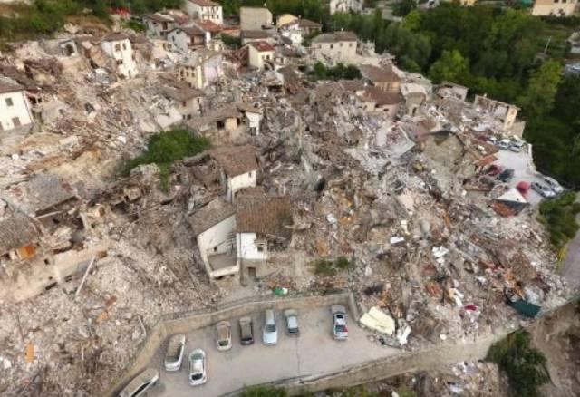 В Турции, в результате мощного землетрясения 6 февраля разрушены дома