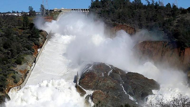 Массовая эвакуация в Калифорнии отменена